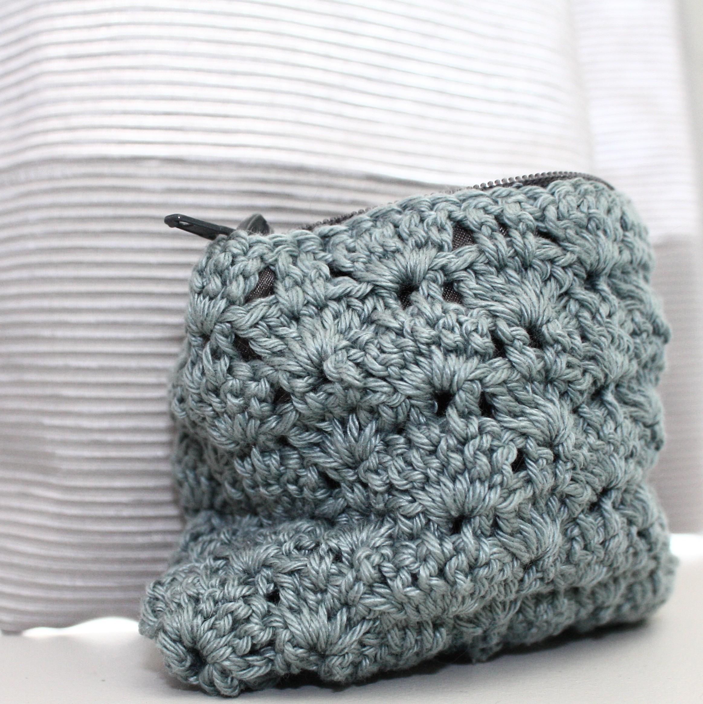 pochette porte monnaie au crochet la petite tailleuse. Black Bedroom Furniture Sets. Home Design Ideas
