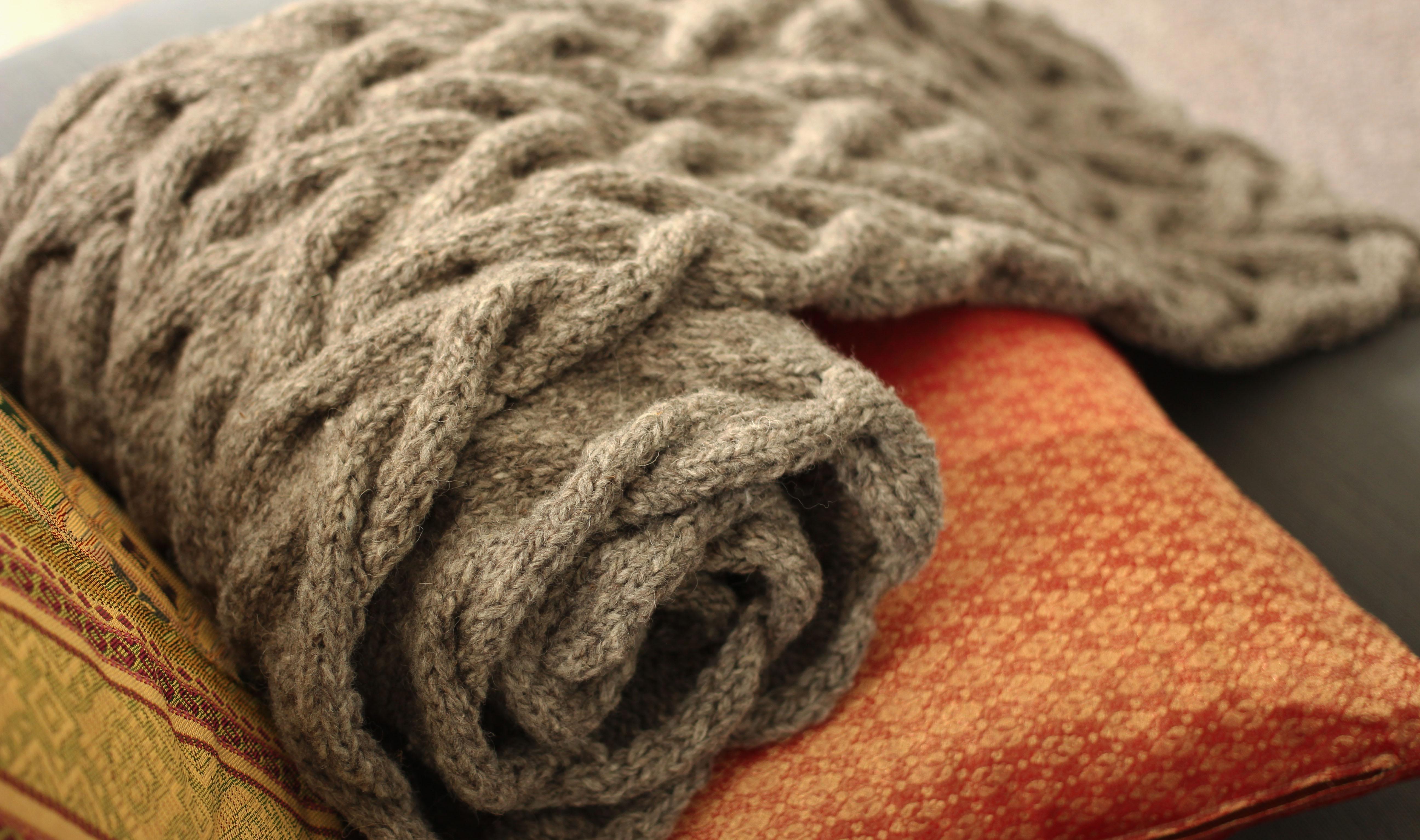 Une charpe pour l hiver prochain la petite tailleuse - Quel point pour tricoter une echarpe ...